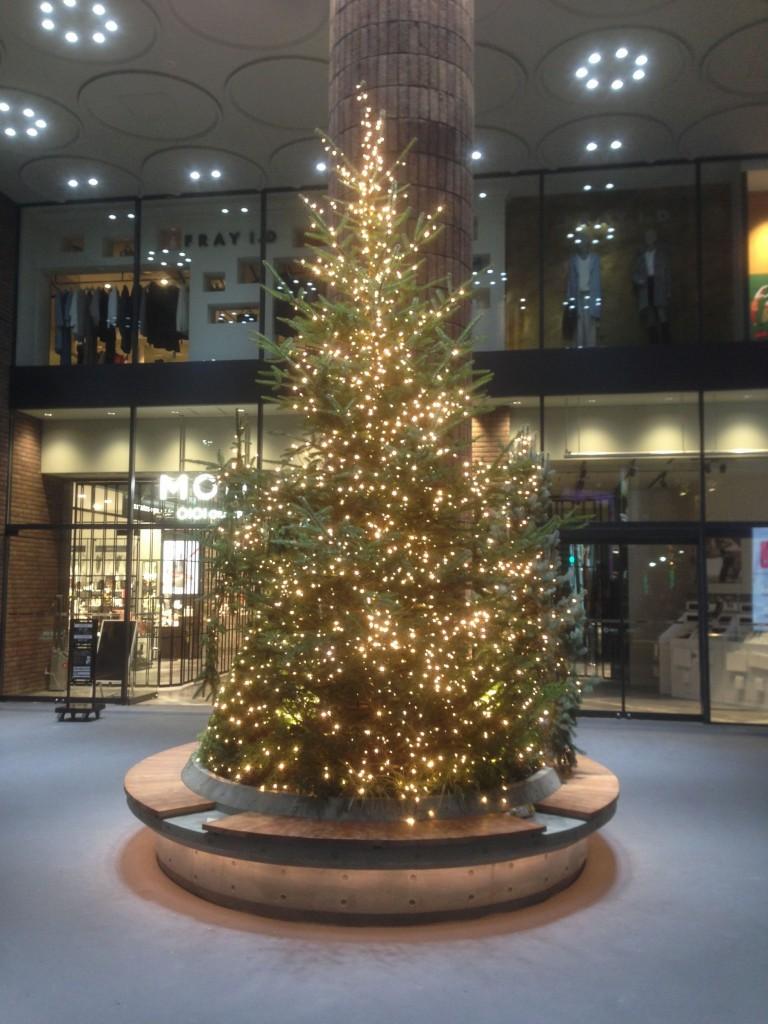 渋谷モディのクリスマスツリー