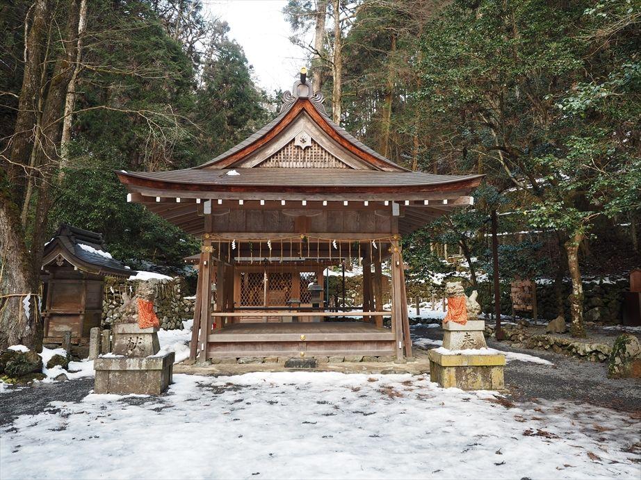 貴船神社の奥宮の拝門