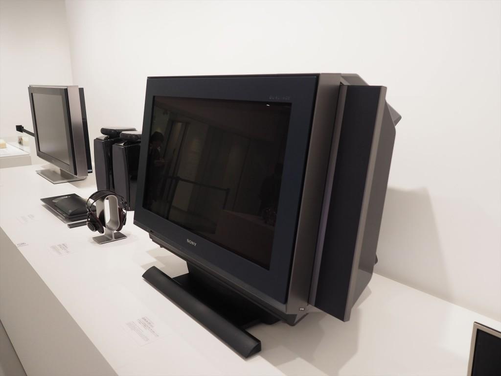 テレビにも色々な機能とデザインが