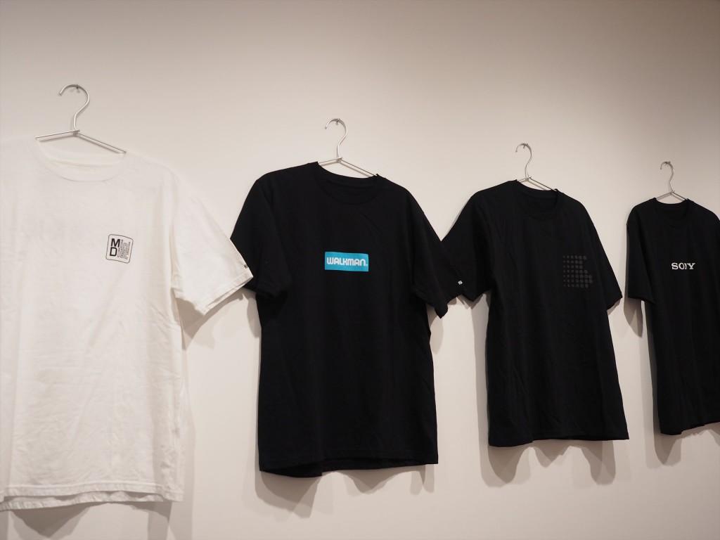 MiniDiskやウォークマンデザインのTシャツ超欲しい