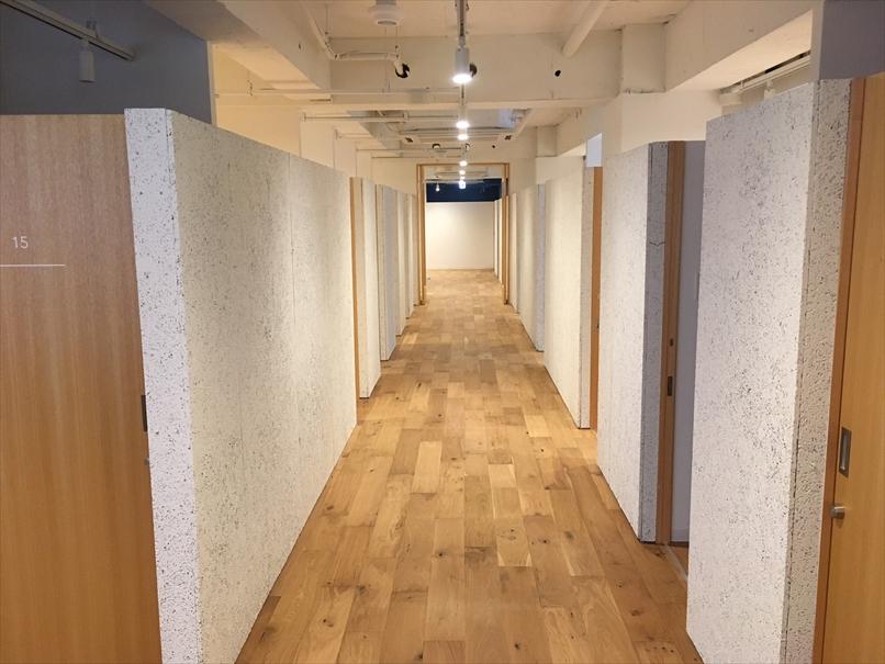 フュージョンのシェアオフィス側の廊下