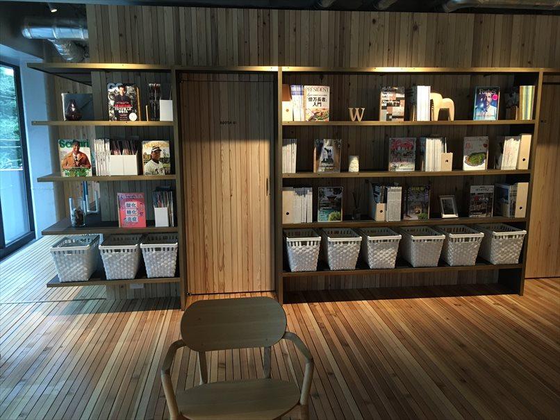 コワーキングスペースとしても使えて本棚がオシャレ