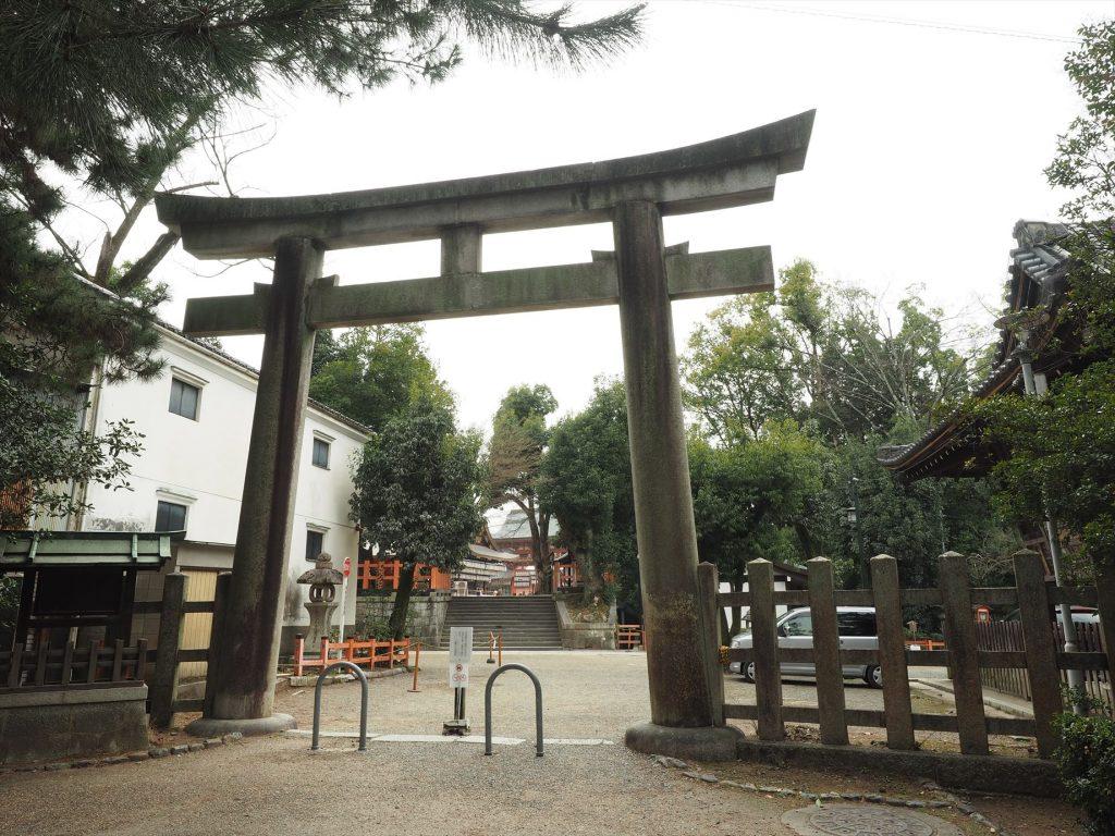 八坂神社の北側の鳥居