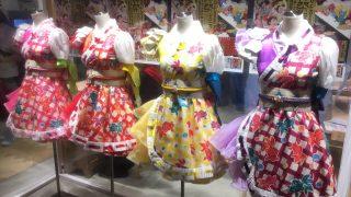 ももいろクローバーZのライブ衣装を渋谷モディHMV&BOOKSに展示
