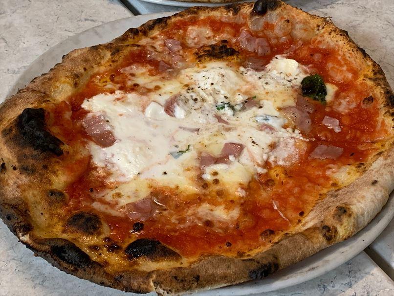 追加注文のピザ