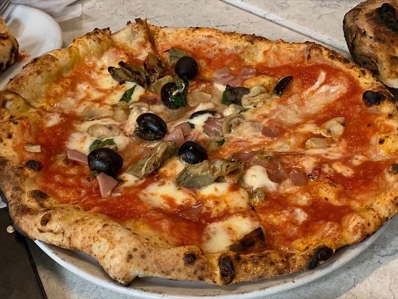 ダイーサのピザ