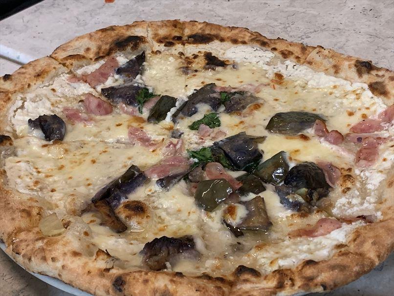 ダ・イーサのピザ